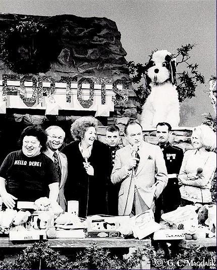 Black And White Toys For Tots : Bob hope at toys for tots